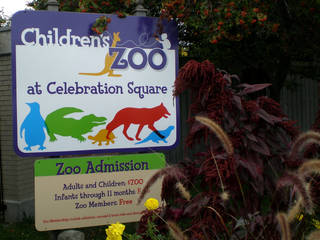 Entrance to the Children's Zoo at Celebration Square © Saginaw Future
