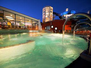 holstentherme erlebnisbad in kaltenkirchen parkscout de On schwimmbad kaltenkirchen
