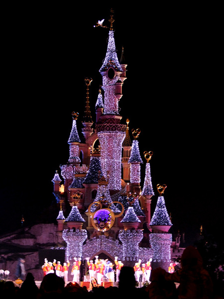weihnachten in disneyland resort paris disneyland park. Black Bedroom Furniture Sets. Home Design Ideas